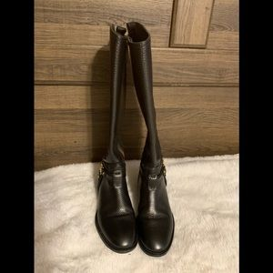 Tory burch boots size 5